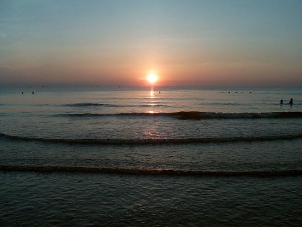 Sunrise צילום:Handyhuy