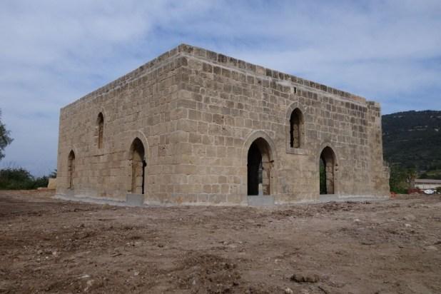מסגד הכפר אל באסה במרכז אזור התעשייה בשלומי צילום:מיכאל יעקובסון