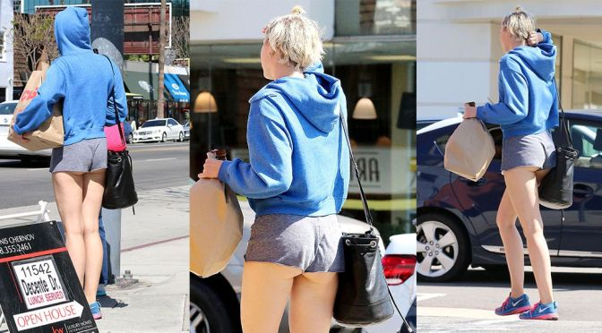Miley Cyrus – Candids in Studio City
