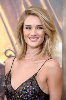 Rosie Huntington Whiteley (18)