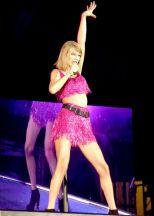 Taylor Swift (34)