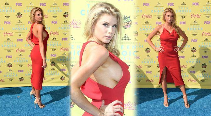 Charlotte McKinney – 2015 Teen Choice Awards
