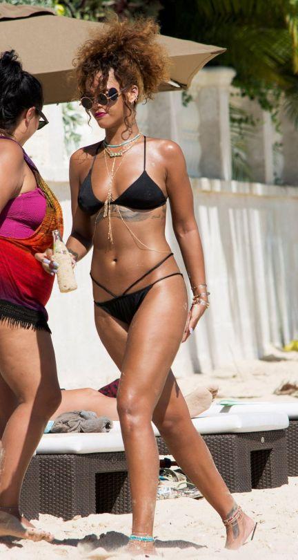 Rihanna (26)