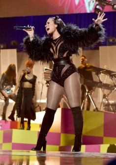 Demi Lovato (14)