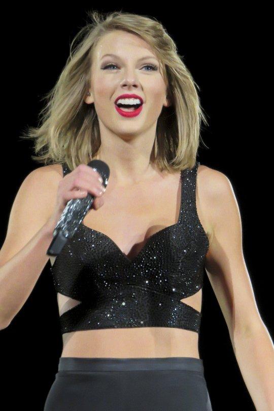 Taylor Swift (7)