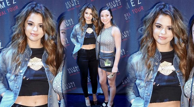 Selena Gomez – Nip-Slip at Revival Tour Meet&Greet