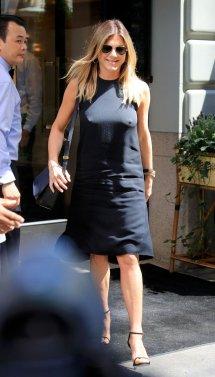 Jennifer Aniston (12)