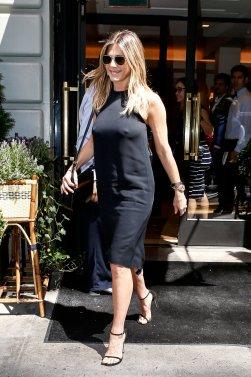 Jennifer Aniston (13)
