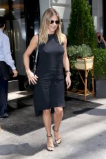 Jennifer Aniston (6)