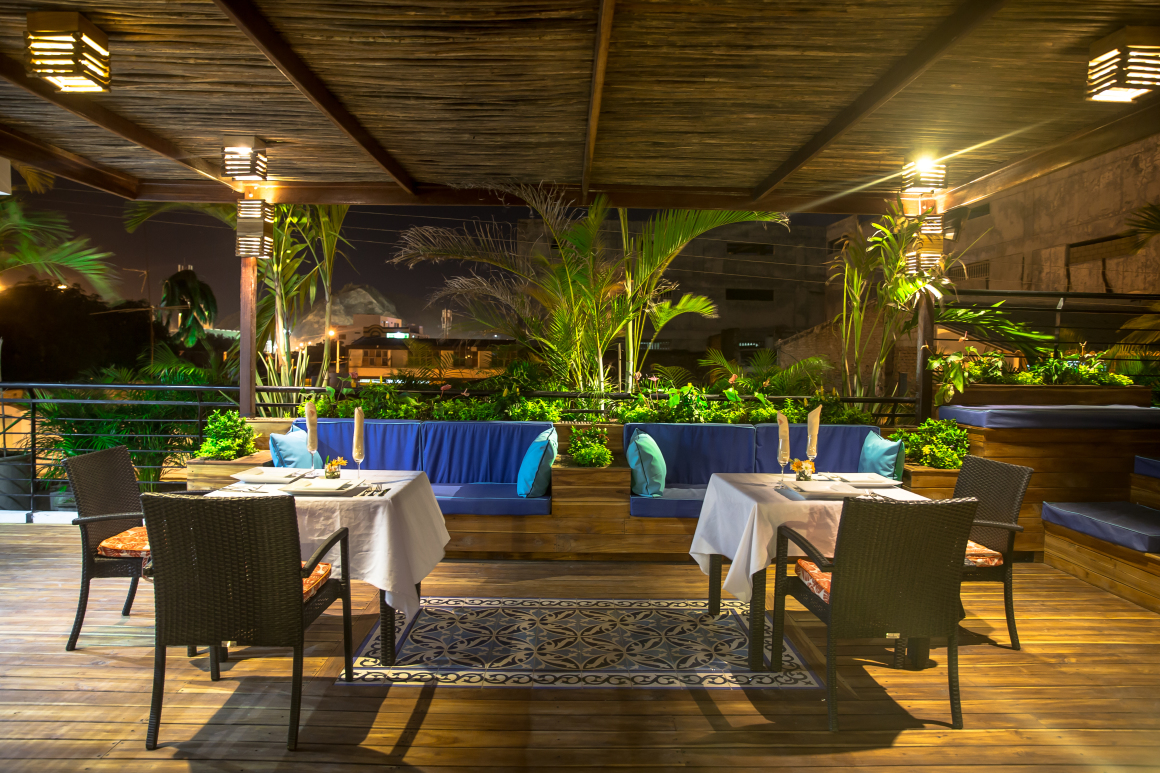 The hotel casa carolina hotel in santa marta for The terrace cafe bar