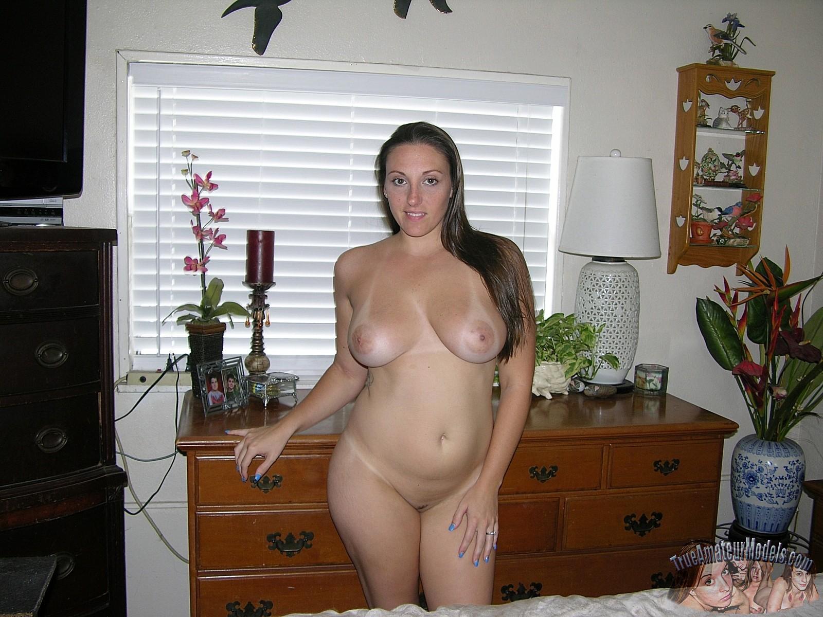 alexis true amateur models nude