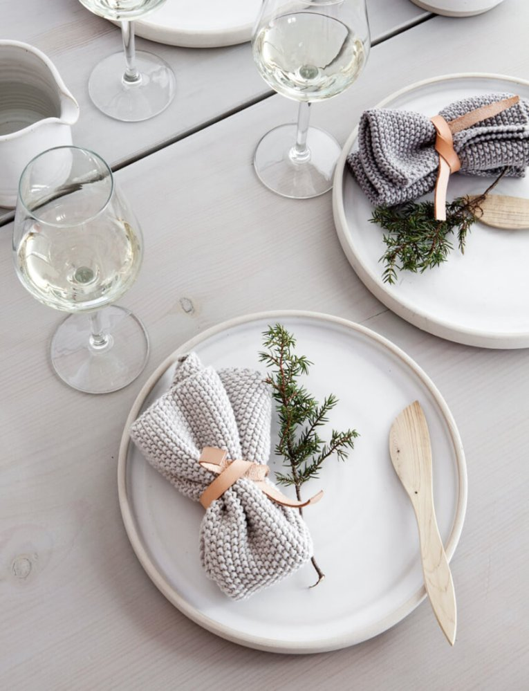 Christmas Table Setting Inspiration 07