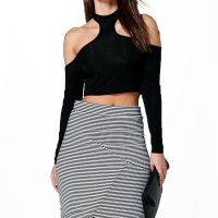 boohoo-black-and-white-assymetric-skirt