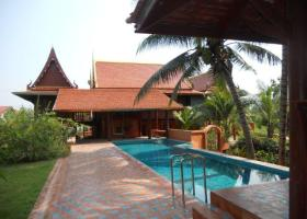 Lovely Thai Style House With Pool