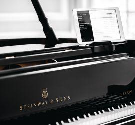 Steinway & Sons Spirio Piano