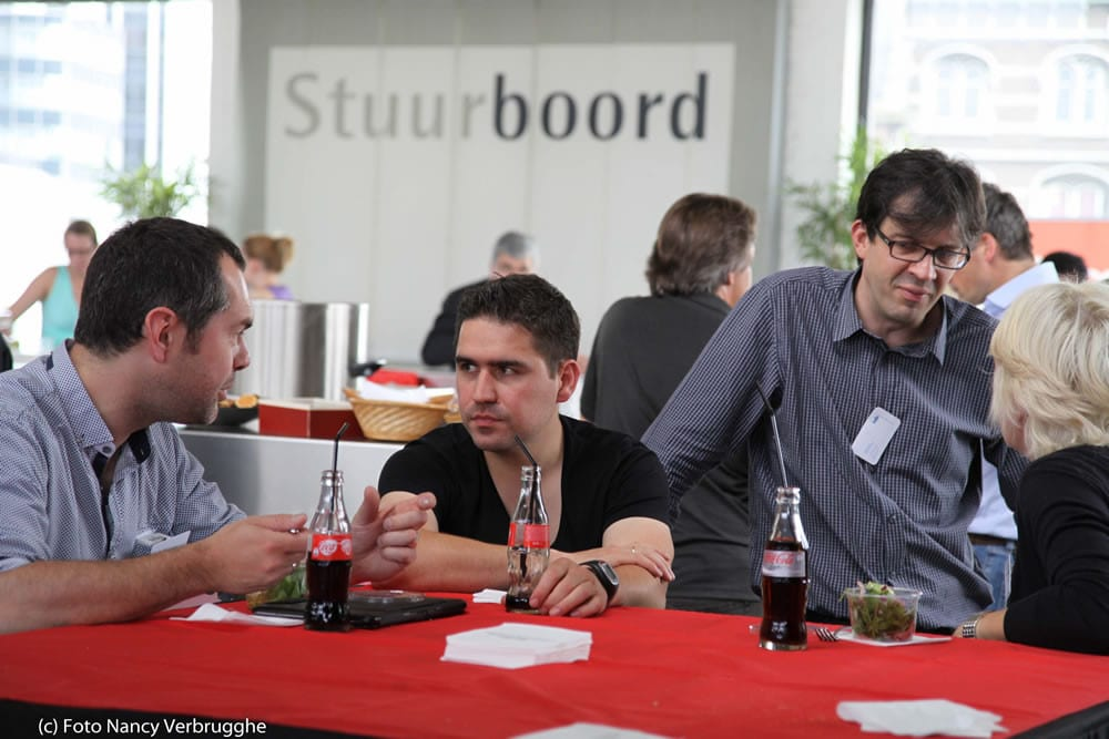 Networking at the Fusion Marketing Experience Social Business Sessions 2012 by i-SCOOP – picture Nancy Verbrugghe