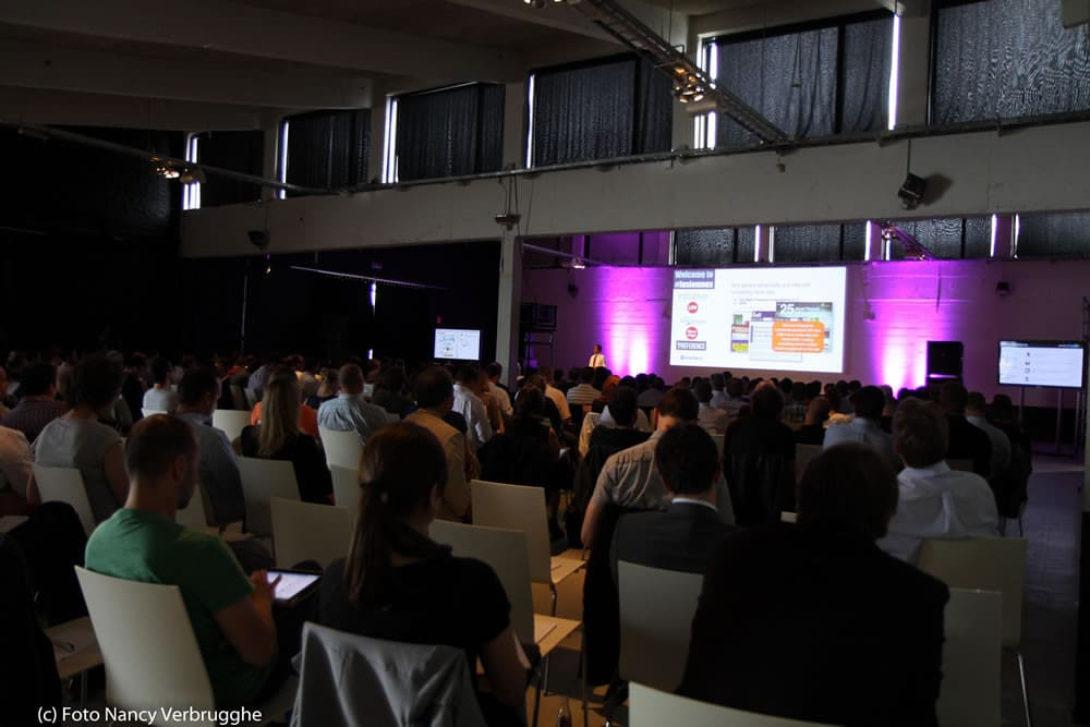 View from the back at the Brian Solis Social Business Sessions by i-SCOOP – picture Nancy Verbrugghe
