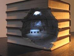 Галерея скульптур из книг от Гая Ларами (3)
