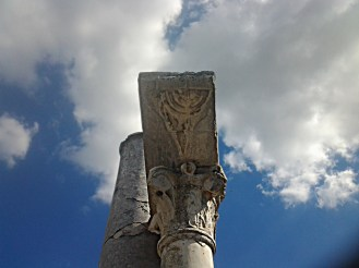 Menorah, Sinagoga Ostia Antica [Stefano Lesti]