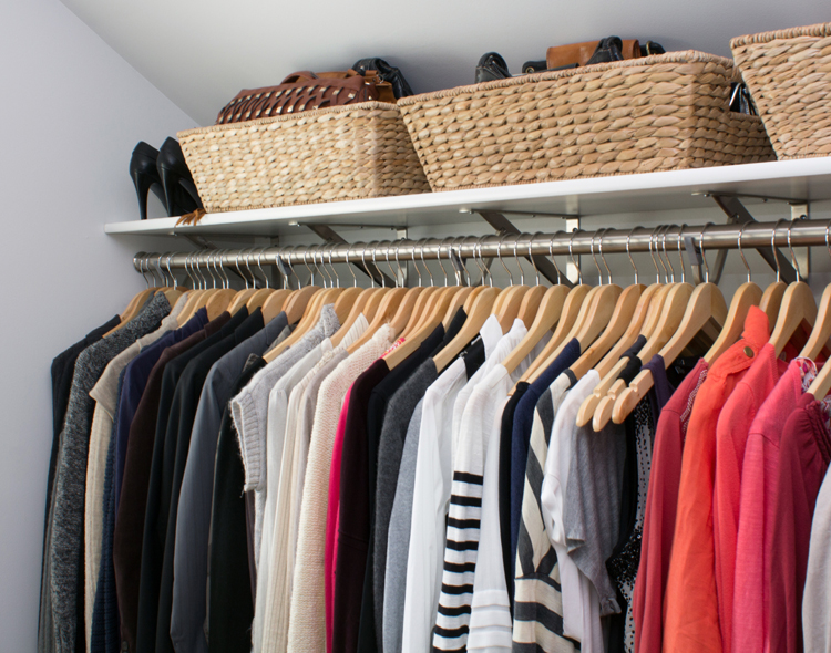closet organization tip - arrange by color