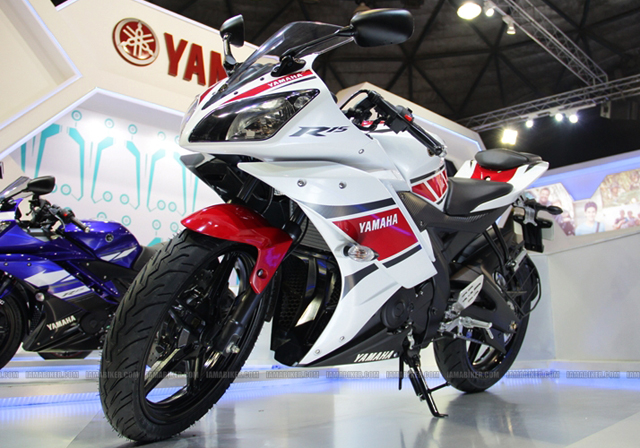 Auto Expo 201210 yamaha r15 r15 new colours auto expo R15 new colors r15 50th anniversary edition