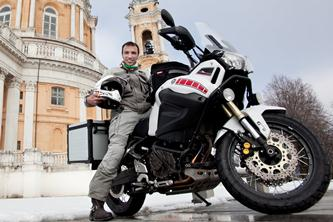 Around the world on a Yamaha - Davide Biga