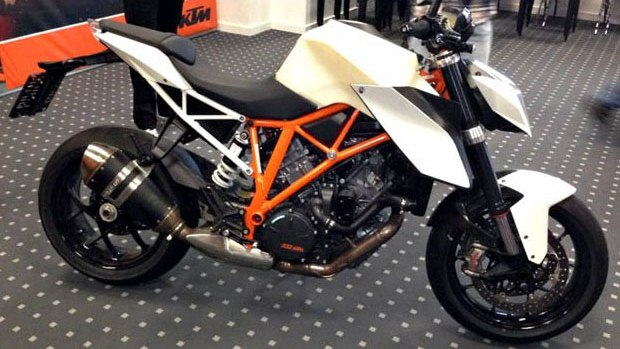 ktm super duke 1290 production version