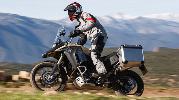 2013 bmw f800gs adventure first look