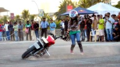 stunt teams stunt girl india motorcycle stunting female stunters india female stunter ekta pannalal