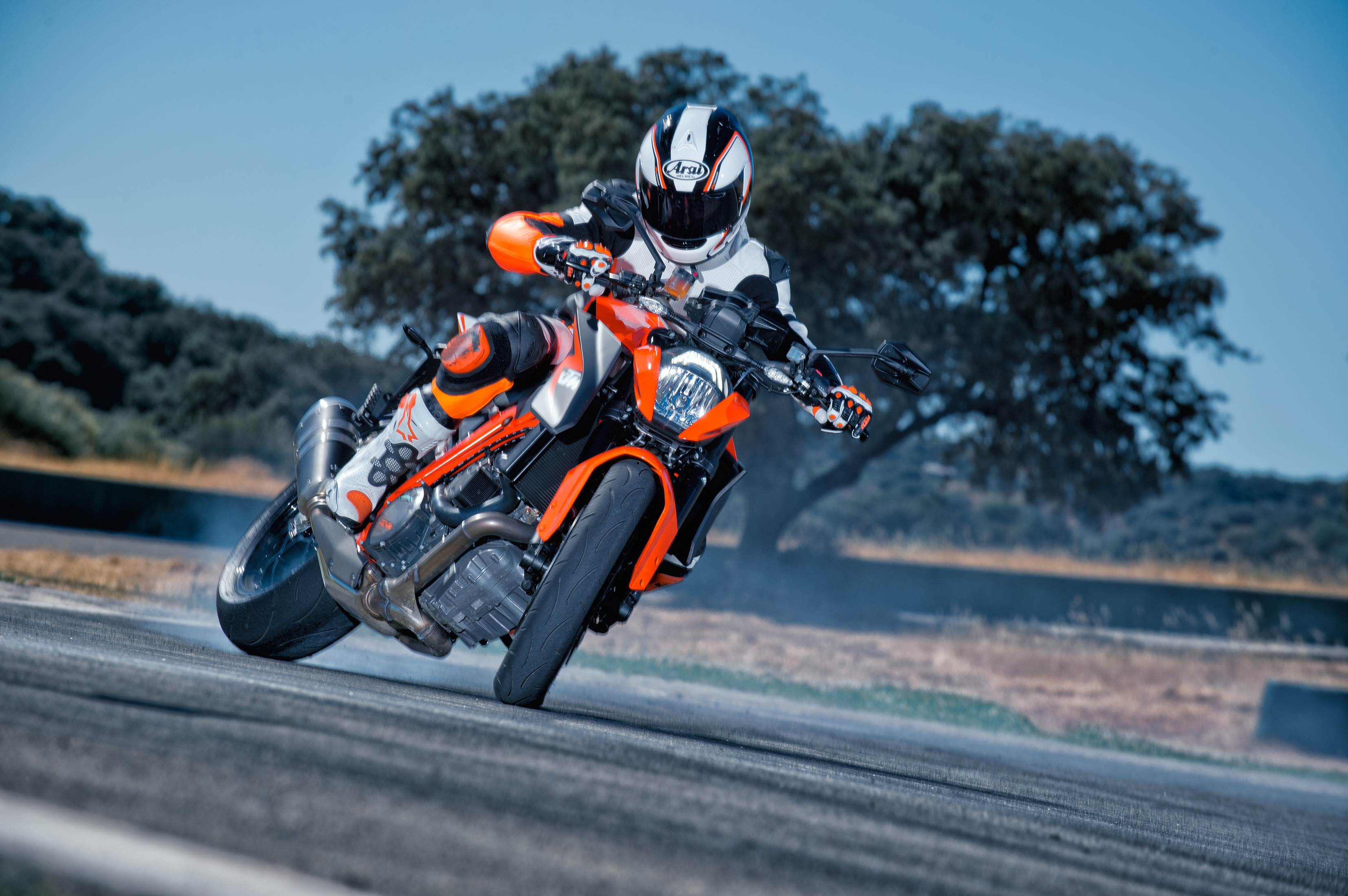 2014 KTM Super Duke 1290 wallpapers - 08