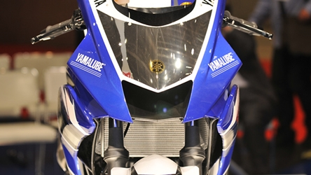 Yamaha YZF-R3 and R3