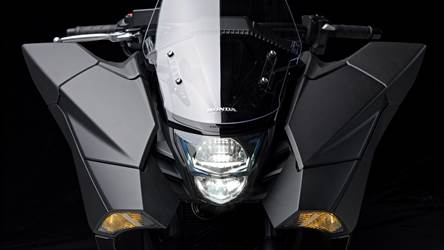 2014 Honda NM4 Vultus featured