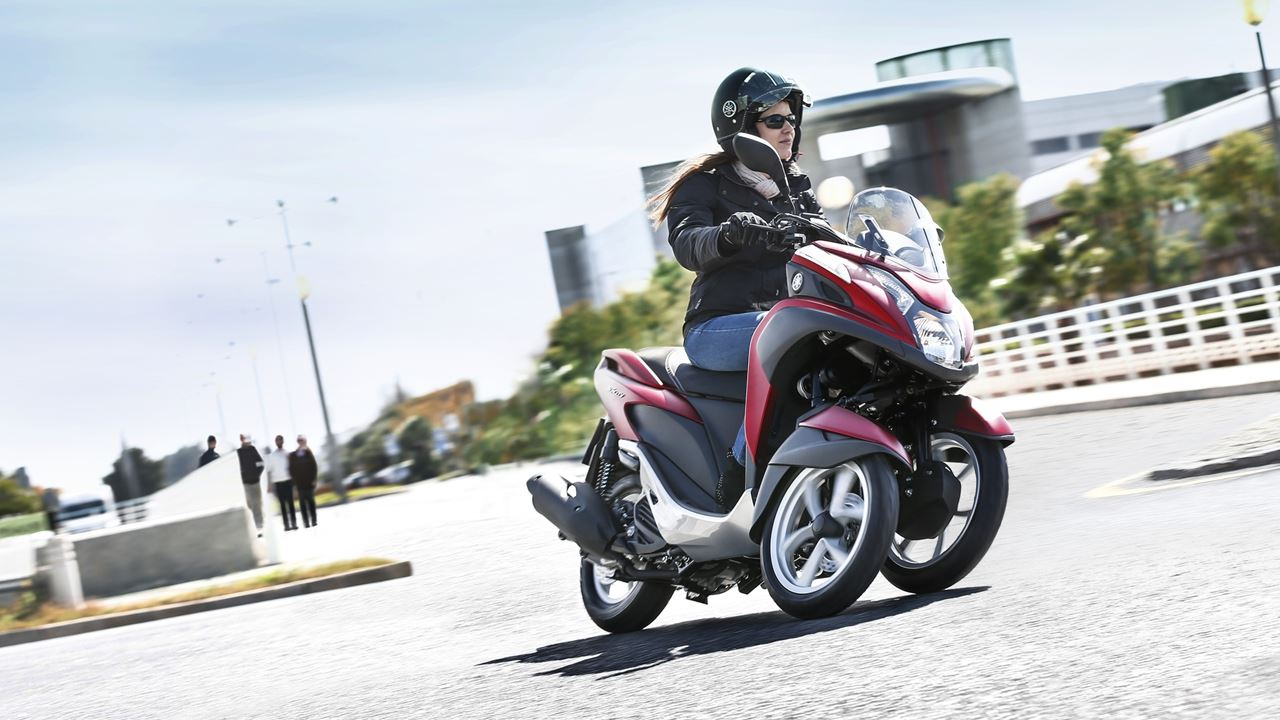 2015 Yamaha Tricity Red