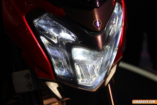 New Pulsar CS400 headlight