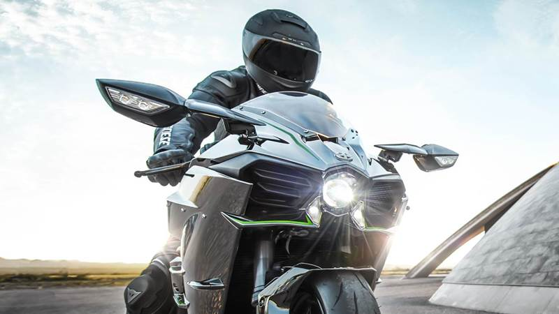 2015-kawasaki-ninja-h2-featured