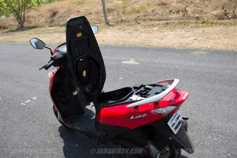 Suzuki Lets scooter underseat space