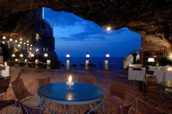 restaurant-inside-a-cave-cavern-itlay-grotta-palazzese-2
