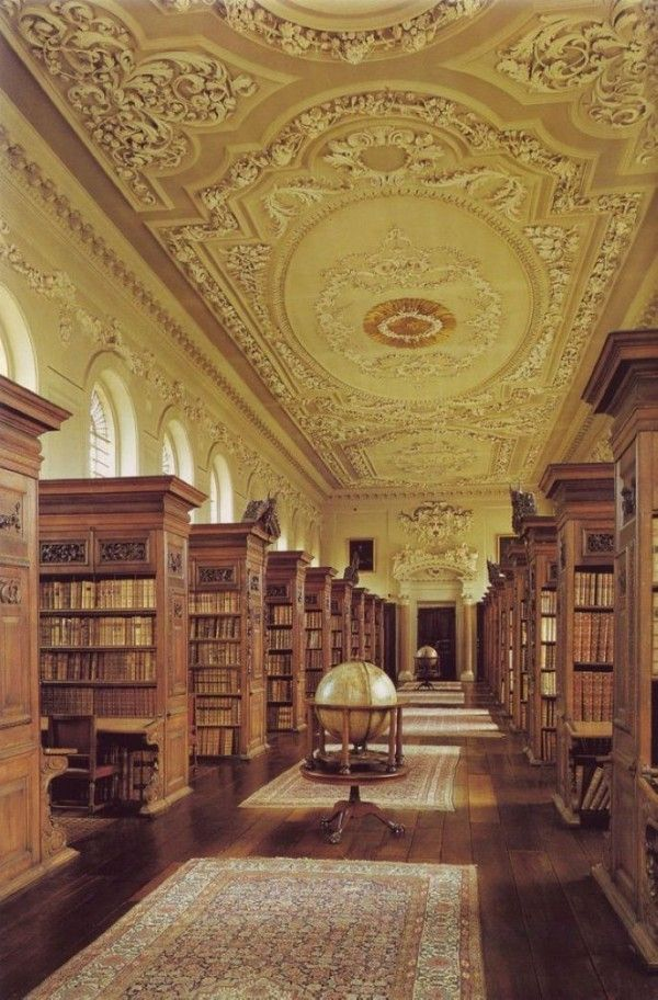 Queens-College-Library-at-Oxford-University-England-2-600x912