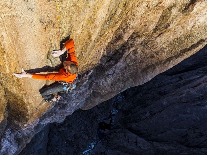 josh-wharton-climbing-black-canyon-colorado_73858_990x742