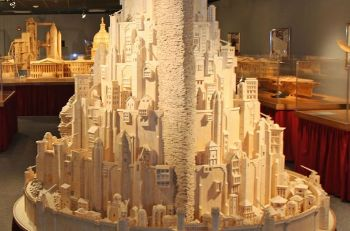 Guy-Builds-Giant-Lord-Of-The-Rings-Sculpture-Using-Matches-2