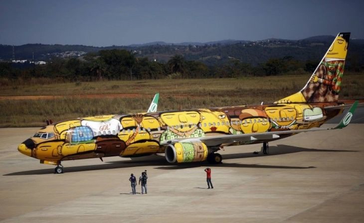 447016-the-boeing-737-aircraft-of-brazilian-airline-gol
