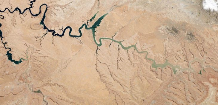a-reservoir-of-the-colorado-river-lake-powell-stretches-across-the-border-between-utah-and-arizona-since-the-turn-of-the-century-it-has-suffered-from-drought-and-at-the-time-this-picture-was-taken-last-may-