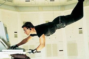 ob_cc8632_picture-of-tom-cruise-in-mission-impossible-larg