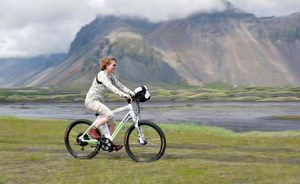 Our first Icelandic test rider – cycling is getting more and more popular in Iceland (SB)