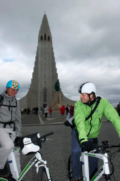 Reykjavík's landmark – the Hallgrímskirkja church (SB)
