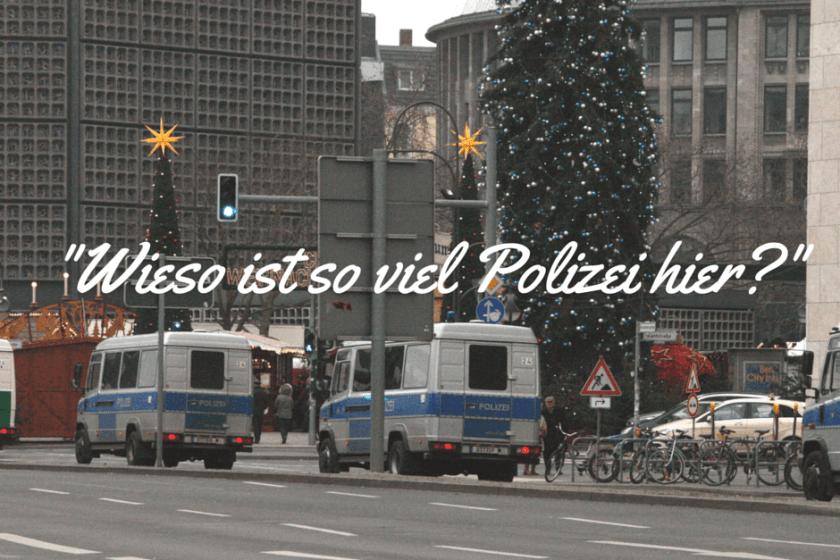 Viele Polizeiautos in Berlin