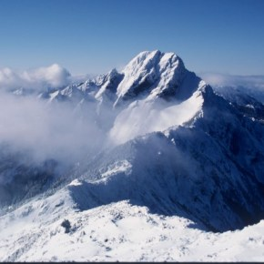 First Snow of Season May Fall on High Altitudes