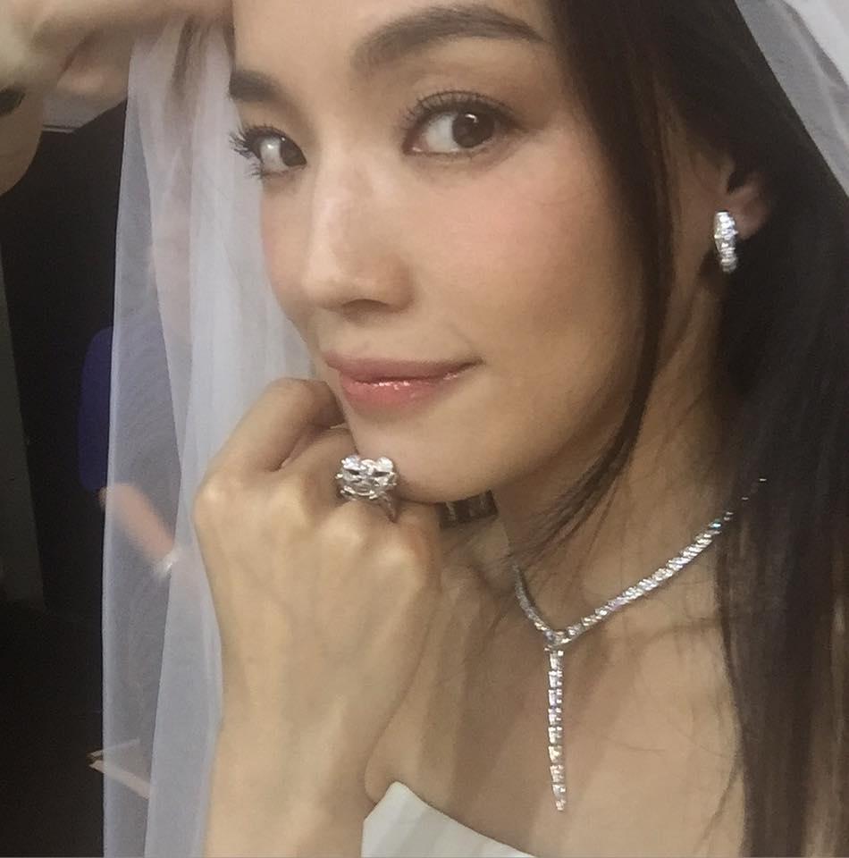 逢Shu Qi 舒淇 Stephen Fung 馮德倫 wedding photo dress