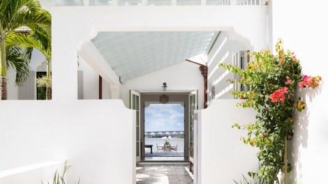 Sunny House in Miami