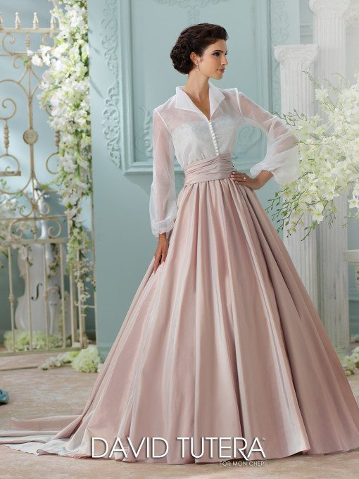 Full of vintage flavor and Grace Kelly style, you can even take the blouse off of this gown and have two completely different looks!